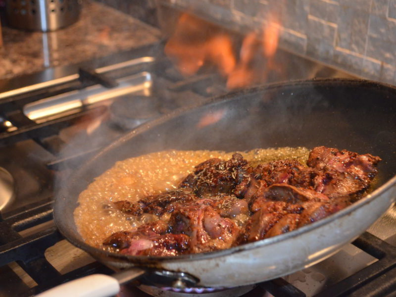 Chicken livers with sweet sherry wine and spices